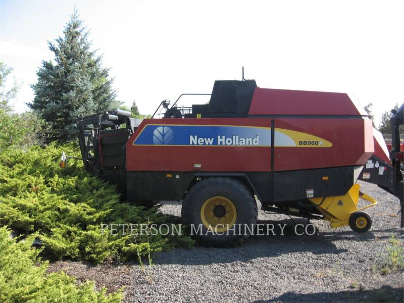 NEW HOLLAND LTD. MATERIELS AGRICOLES POUR LE FOIN BB960A equipment  photo 3
