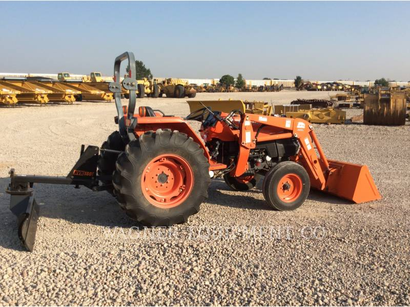 KUBOTA TRACTOR CORPORATION TRACTEURS AGRICOLES L4400E equipment  photo 2