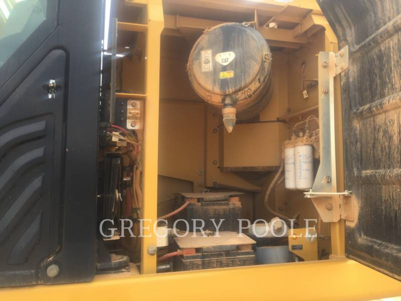 CATERPILLAR TRACK EXCAVATORS 349F L equipment  photo 17