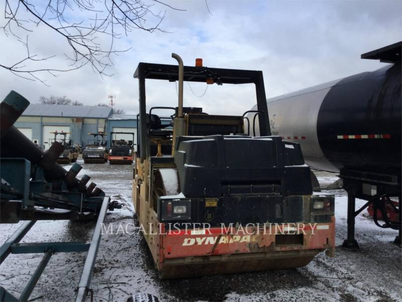 DYNAPAC VIBRATORY DOUBLE DRUM ASPHALT CC722 equipment  photo 2