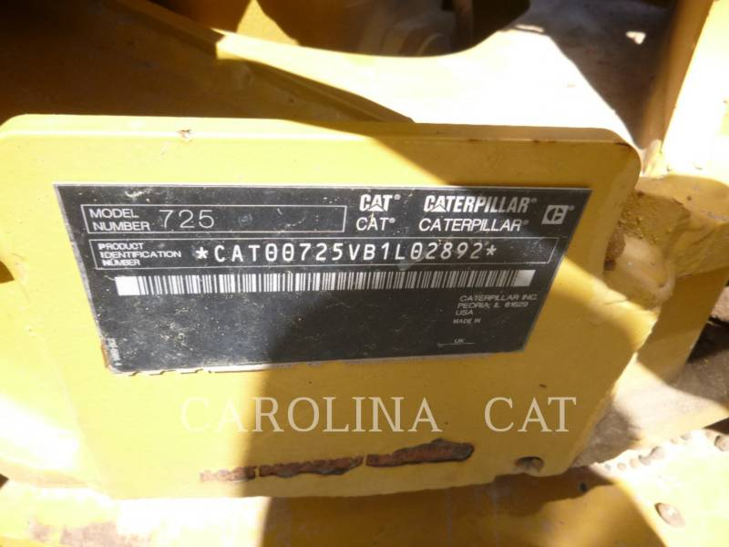CATERPILLAR KNICKGELENKTE MULDENKIPPER 725 WT equipment  photo 7