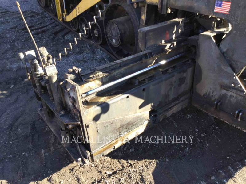 Caterpillar BETONIERE DE ASFALT AP-1055D equipment  photo 22
