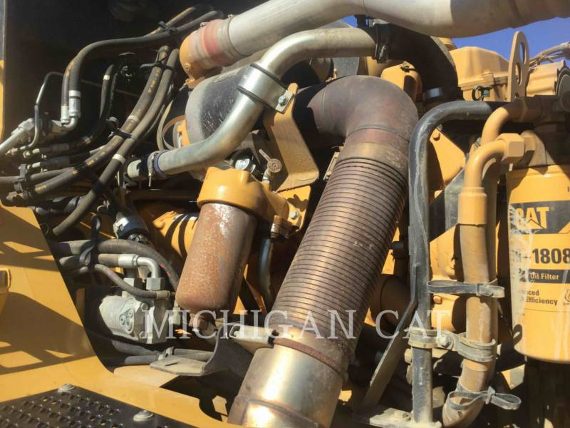 CATERPILLAR CAMIONES ARTICULADOS 740 T equipment  photo 8