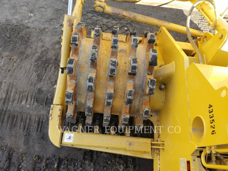 Caterpillar COMPACTOARE 815FII equipment  photo 16