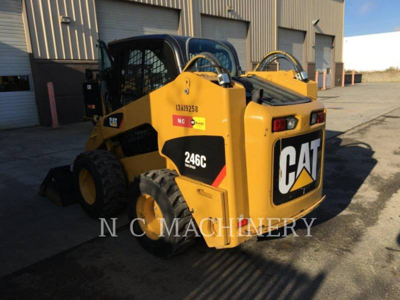 CATERPILLAR PALE COMPATTE SKID STEER 246C equipment  photo 2