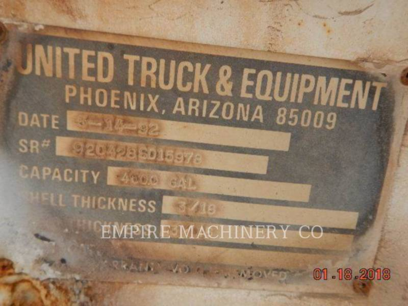 VOLVO CONST. EQUIP. NA, INC. CAMIONS CITERNE A EAU 4K TRUCK equipment  photo 1