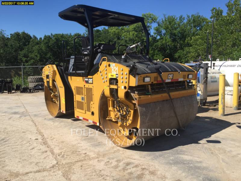 CATERPILLAR COMPACTEURS TANDEMS VIBRANTS CB64B equipment  photo 4