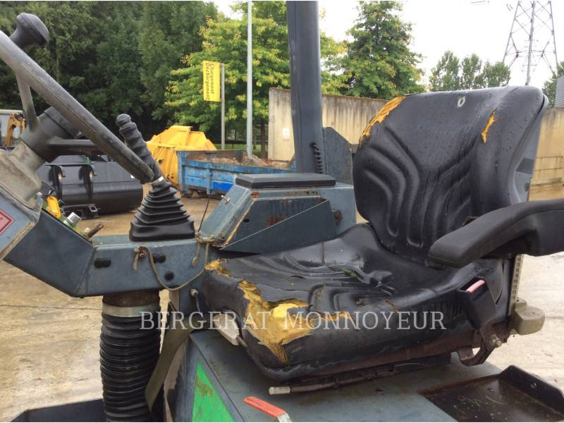 TEREX CORPORATION COMPACTADORES TV1200 equipment  photo 9