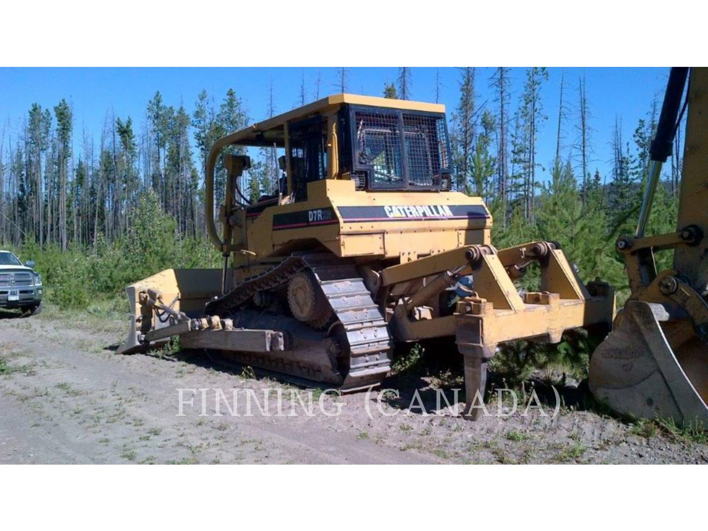 Detail photo of 2001 Caterpillar D7R from Construction Equipment Guide