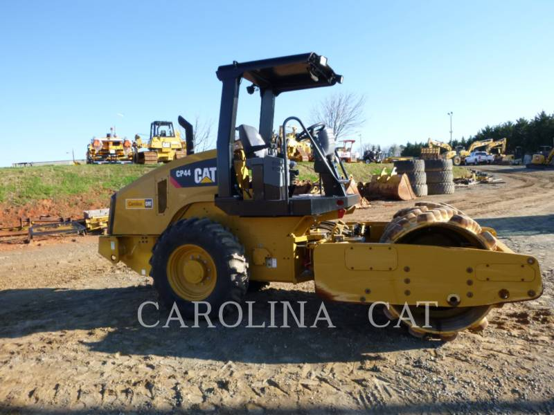 CATERPILLAR EINZELVIBRATIONSWALZE, BANDAGE CP44 equipment  photo 5