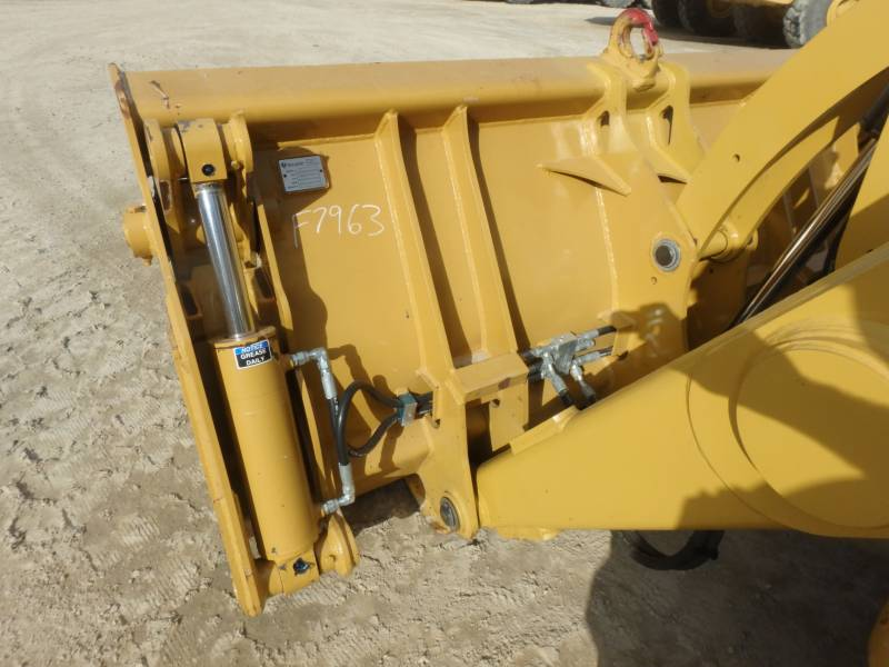 CATERPILLAR CHARGEUSES-PELLETEUSES 450F equipment  photo 22