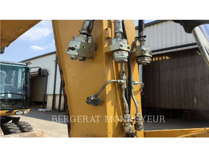 CATERPILLAR ESCAVATORI GOMMATI M316D equipment  photo 7