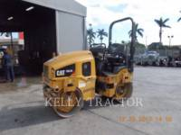 CATERPILLAR COMPACTEURS TANDEMS VIBRANTS CB22B equipment  photo 1
