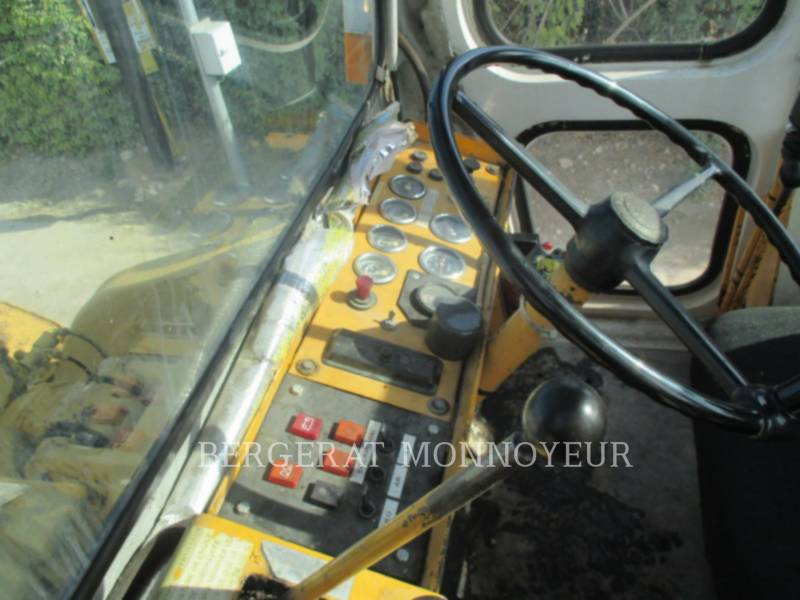 INTERNATIONAL HARVESTER CHARGEURS SUR PNEUS/CHARGEURS INDUSTRIELS 530 equipment  photo 8