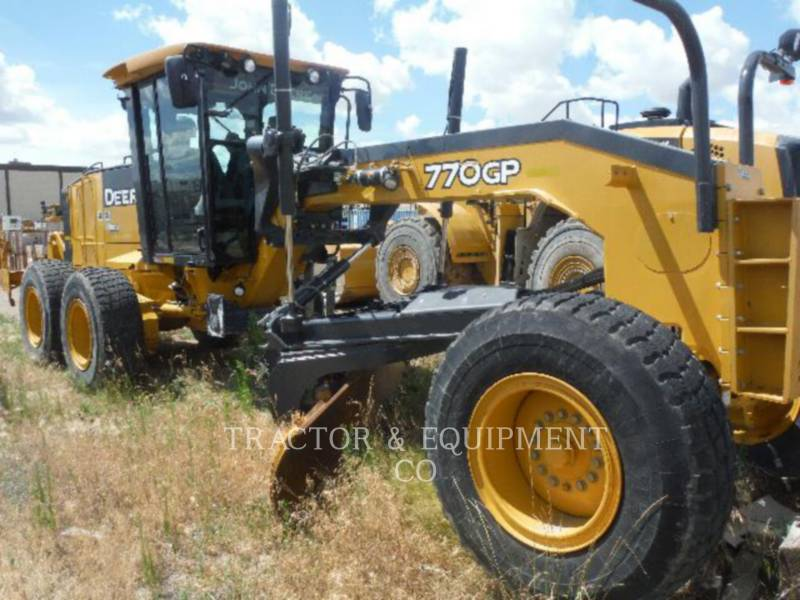 JOHN DEERE MOTOR GRADERS 770GP equipment  photo 2