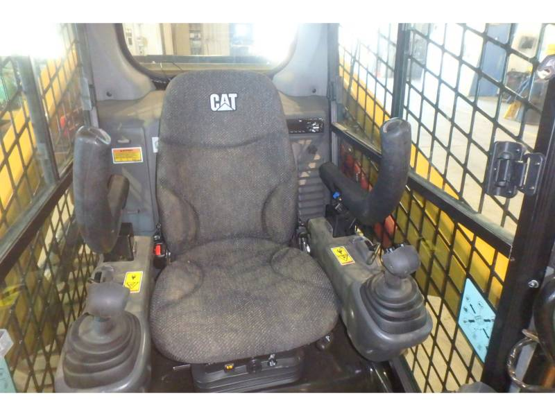 CATERPILLAR CHARGEURS COMPACTS RIGIDES 246D equipment  photo 7