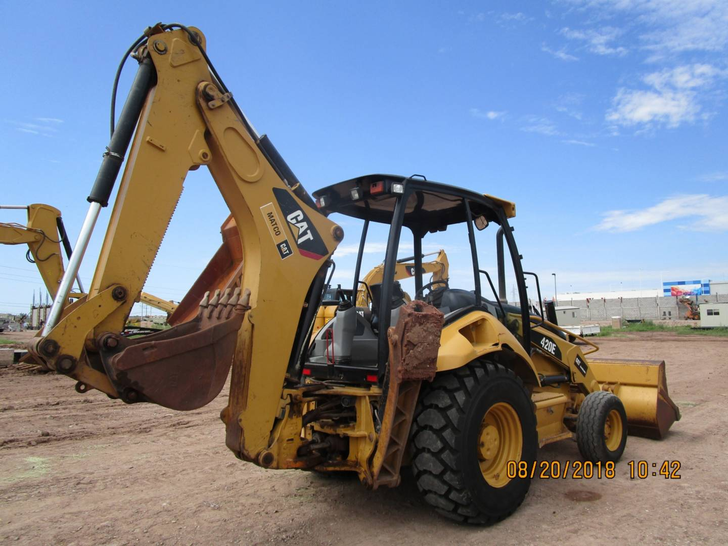 caterpillar-hls05587