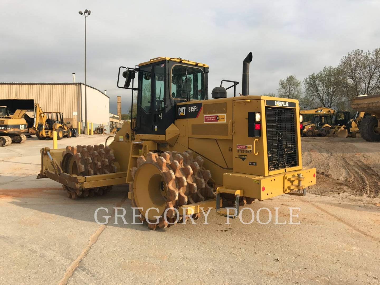 Detail photo of 2014 Caterpillar 815F II from Construction Equipment Guide