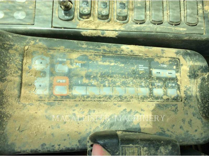 CATERPILLAR TRACK EXCAVATORS 345CL equipment  photo 12