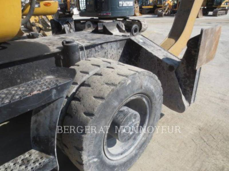 CATERPILLAR EXCAVADORAS DE RUEDAS M318D MH equipment  photo 6