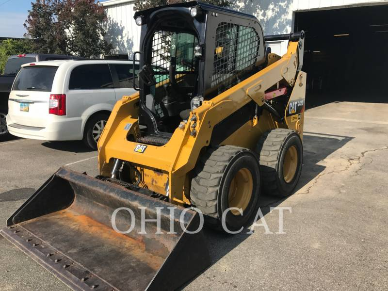 CATERPILLAR SKID STEER LOADERS 242D C3 equipment  photo 2