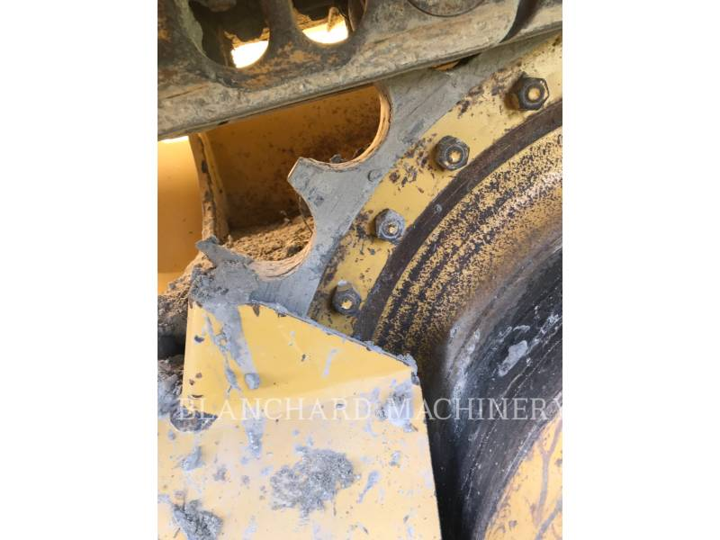 CATERPILLAR TRATTORI CINGOLATI D3K2LGP equipment  photo 17