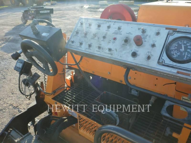 LEE-BOY ASPHALT PAVERS 8515B equipment  photo 8