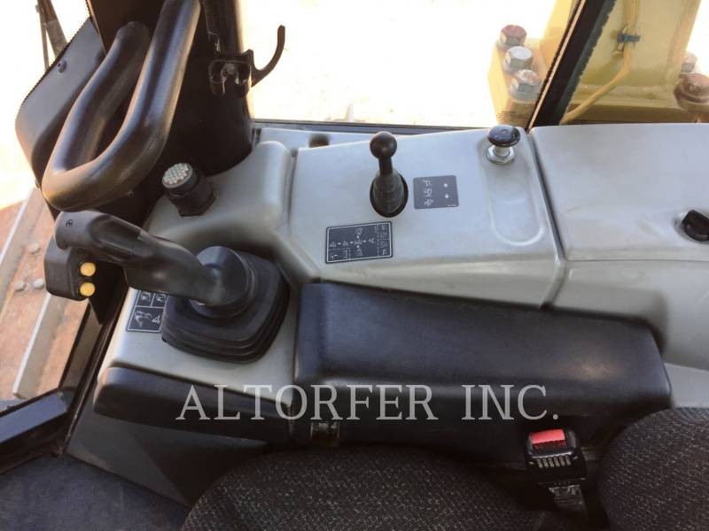 CATERPILLAR TRACK TYPE TRACTORS D6NLGP equipment  photo 11