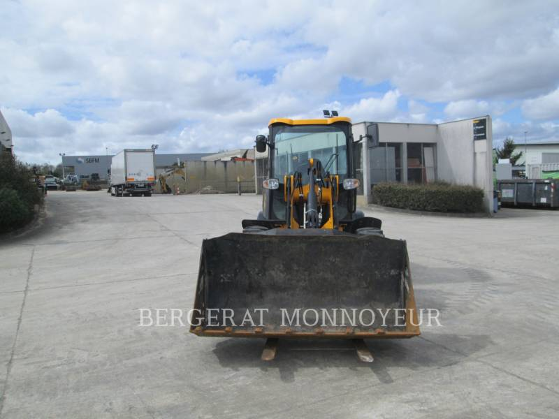 JCB WHEEL LOADERS/INTEGRATED TOOLCARRIERS 407BT4 equipment  photo 5