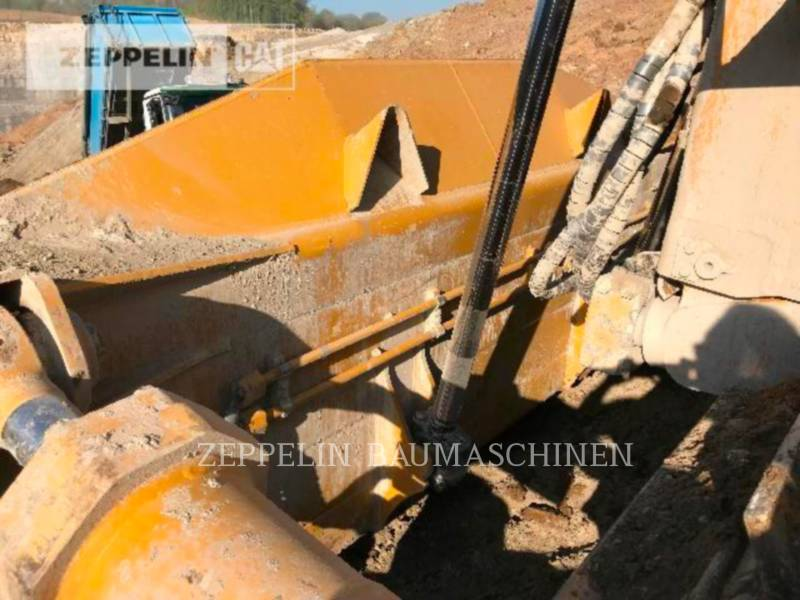 CATERPILLAR ブルドーザ D8T equipment  photo 15