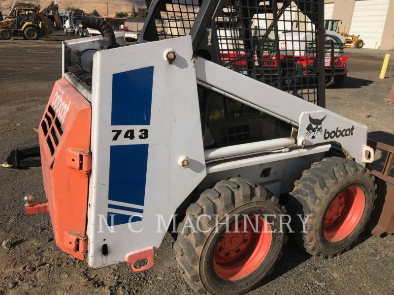 BOBCAT KOMPAKTLADER 743 equipment  photo 4