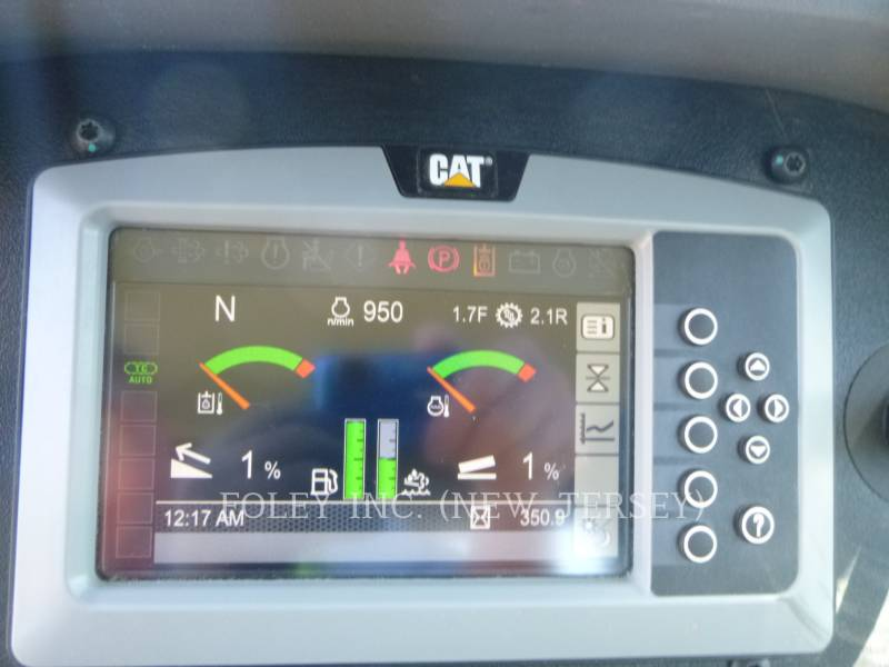 CATERPILLAR TRACK TYPE TRACTORS D3K2LGP equipment  photo 11