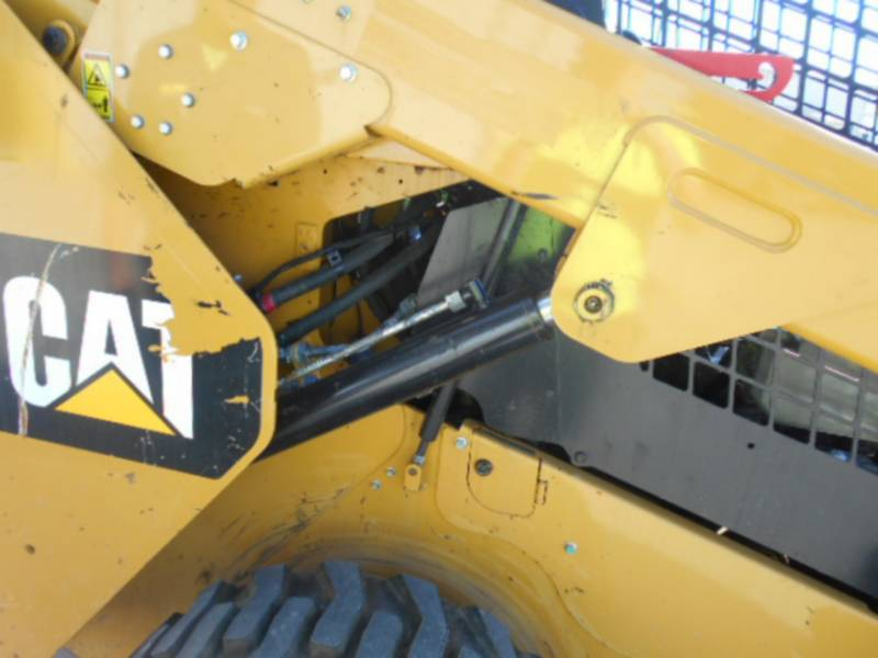 CATERPILLAR SKID STEER LOADERS 262D equipment  photo 14