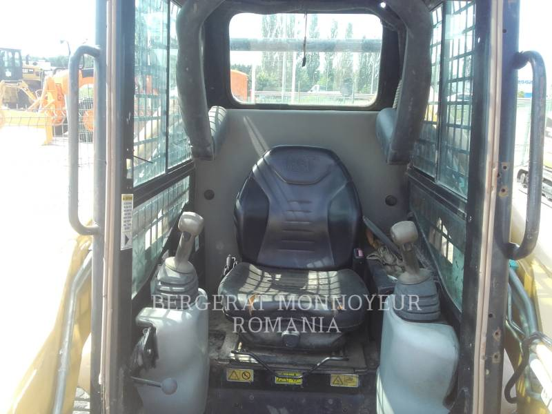 CATERPILLAR CARGADORES MULTITERRENO 287B equipment  photo 7