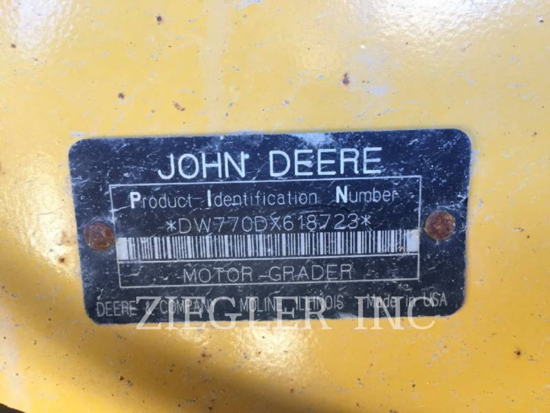 DEERE & CO. MOTORGRADER 770D equipment  photo 6
