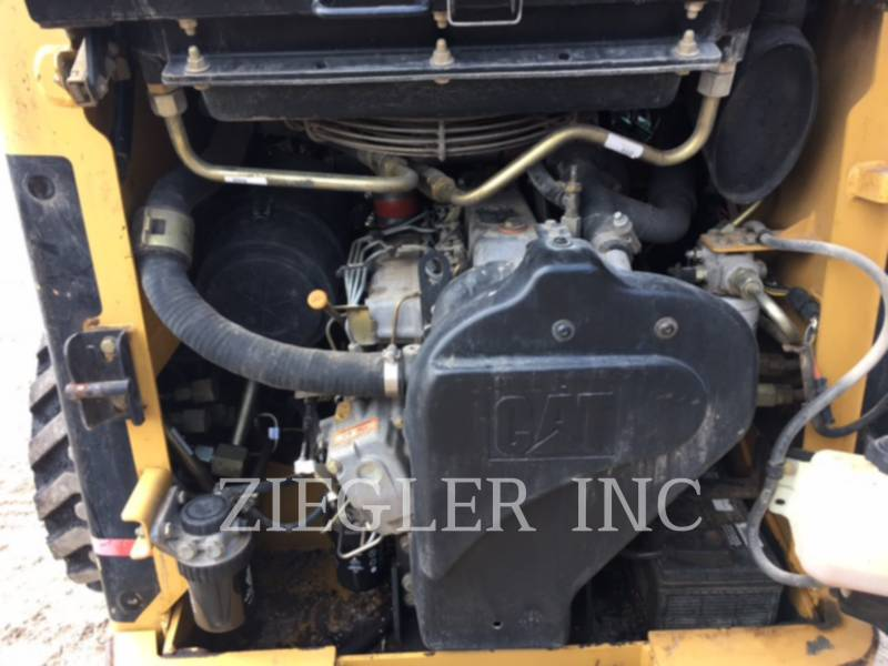 CATERPILLAR SKID STEER LOADERS 248 equipment  photo 6