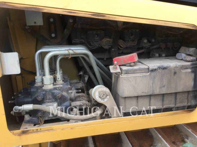 CATERPILLAR TRATTORI CINGOLATI D3K2XL equipment  photo 11