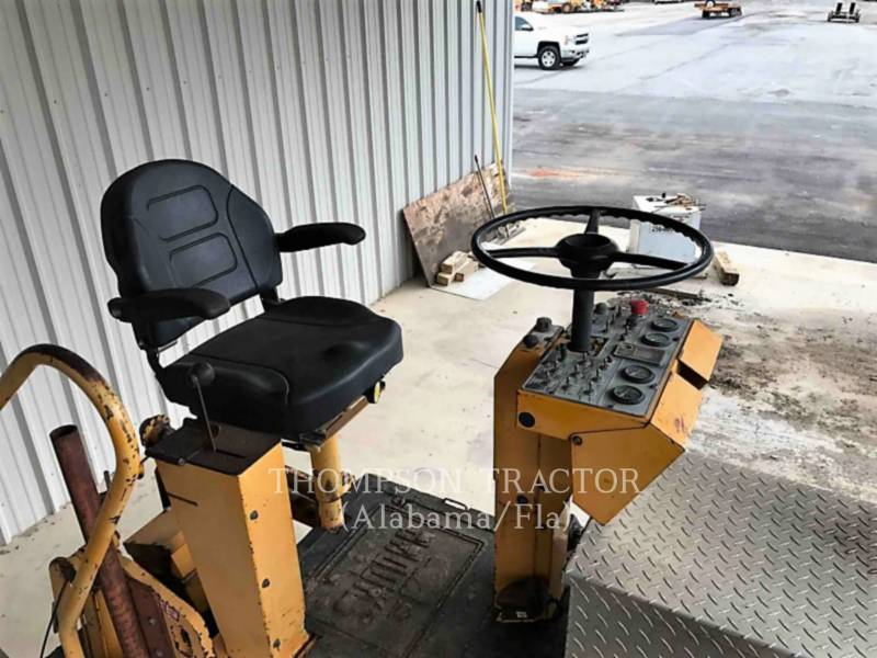 BLAW KNOX PAVIMENTADORA DE ASFALTO PF-3180 equipment  photo 12