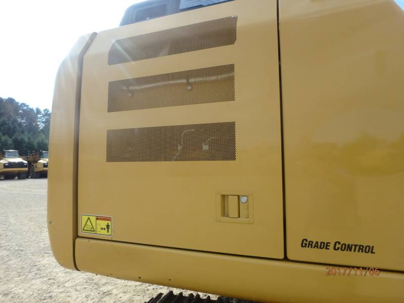 CATERPILLAR TRACK EXCAVATORS 323FL equipment  photo 21
