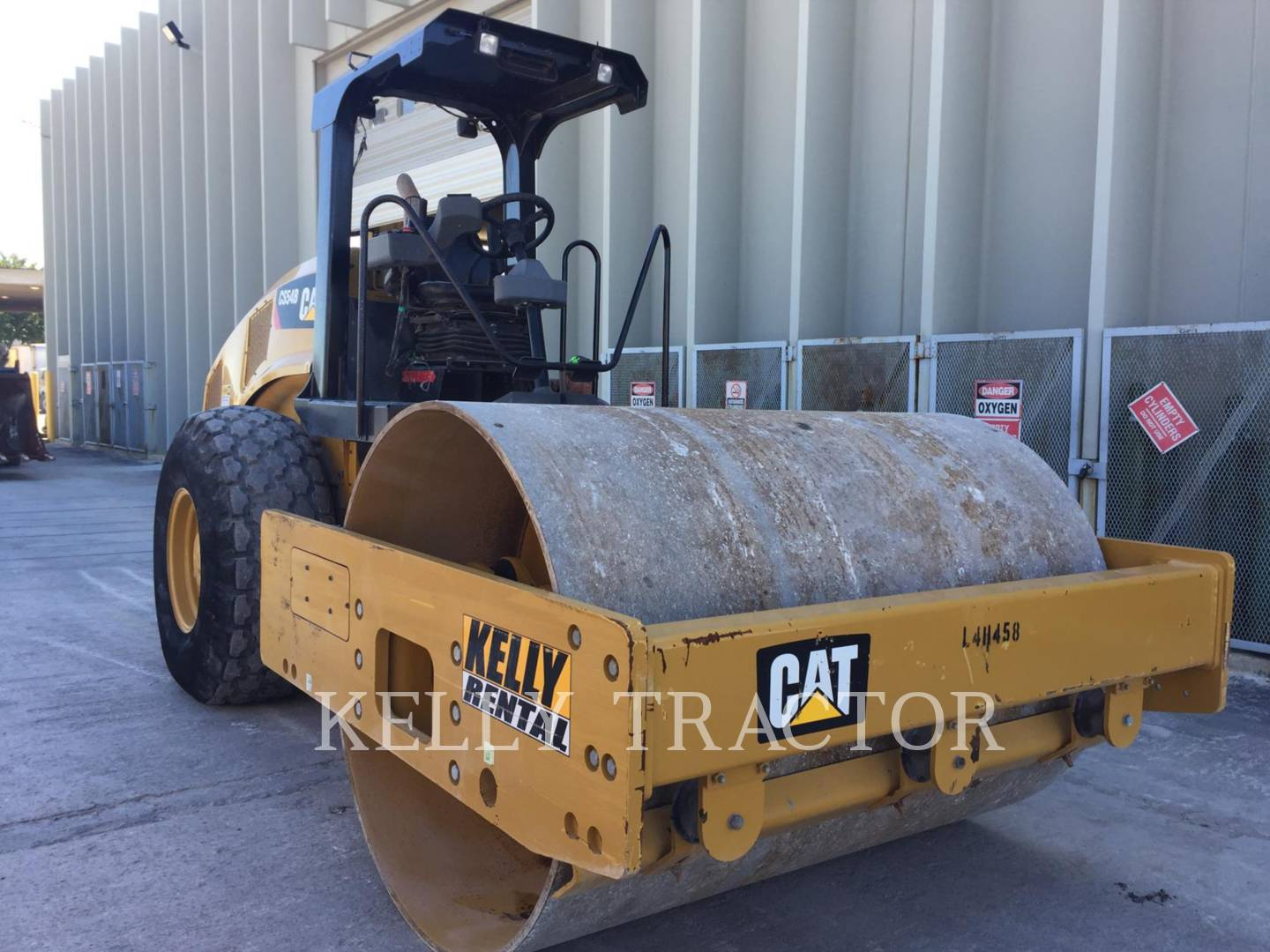 Detail photo of 2014 Caterpillar CS54B from Construction Equipment Guide