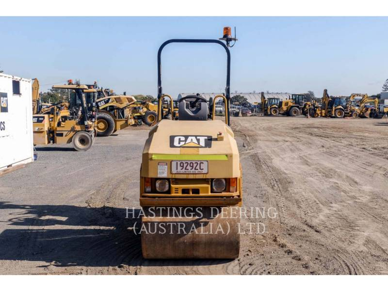 CATERPILLAR TANDEMVIBRATIONSWALZE, ASPHALT CB22 equipment  photo 2