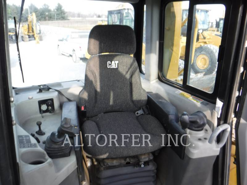 CATERPILLAR TRACTORES DE CADENAS D6T LGP equipment  photo 10