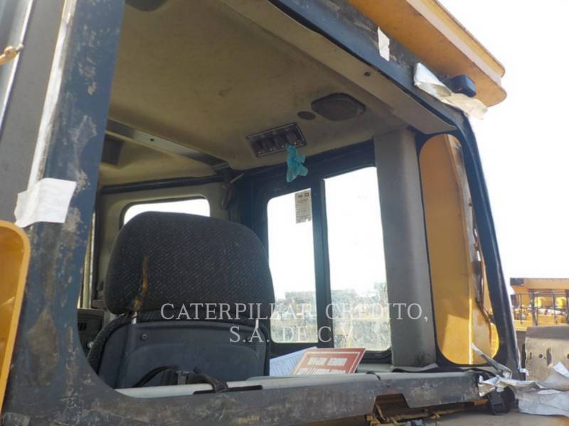 CATERPILLAR TRACK TYPE TRACTORS D6TXL equipment  photo 15