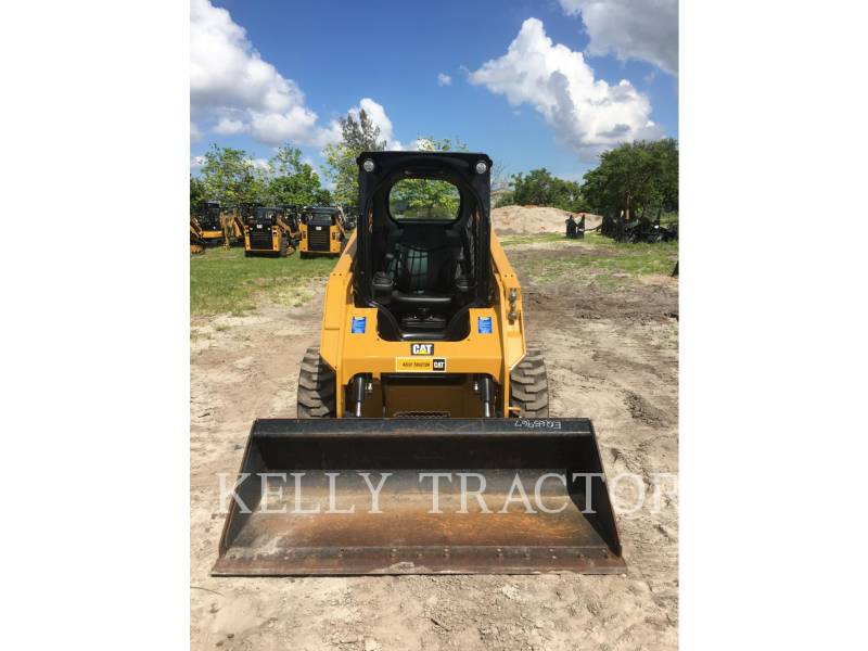 CATERPILLAR CHARGEURS COMPACTS RIGIDES 236 D equipment  photo 13