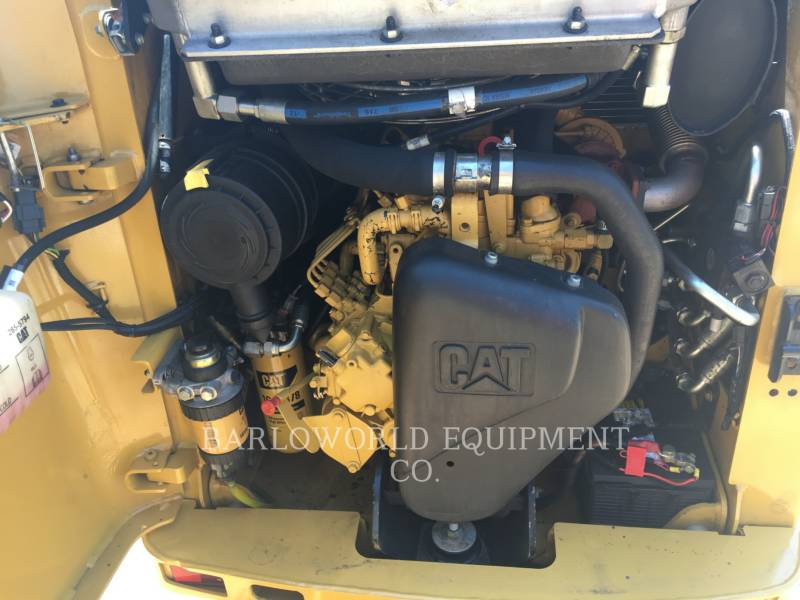 CATERPILLAR CHARGEURS COMPACTS RIGIDES 226 B SERIES 3 equipment  photo 8