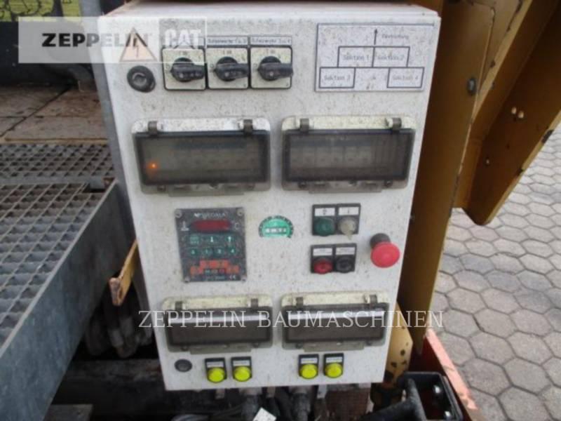 DYNAPAC SCHWARZDECKENFERTIGER F182CS equipment  photo 17