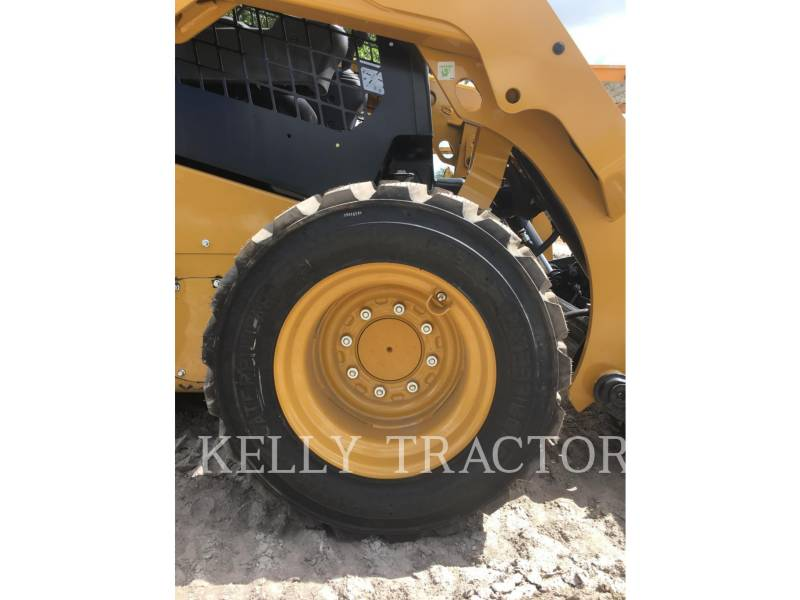 CATERPILLAR CHARGEURS COMPACTS RIGIDES 236 D equipment  photo 11