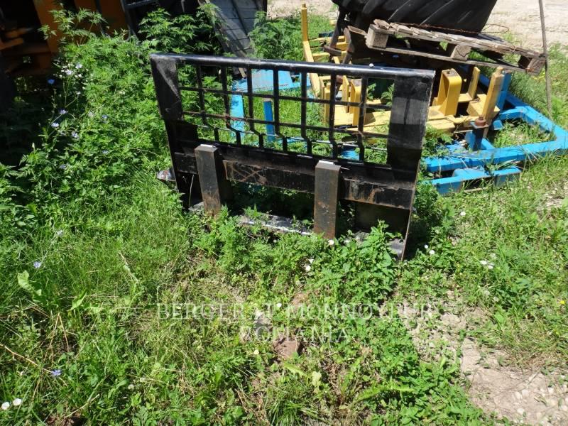 CATERPILLAR WT - FORKS  equipment  photo 1