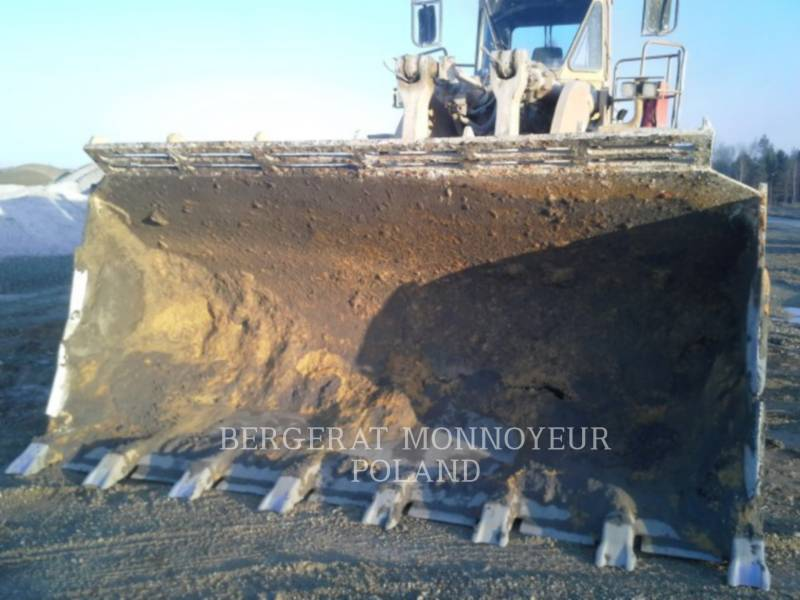 CATERPILLAR CARGADORES DE RUEDAS 988F equipment  photo 4