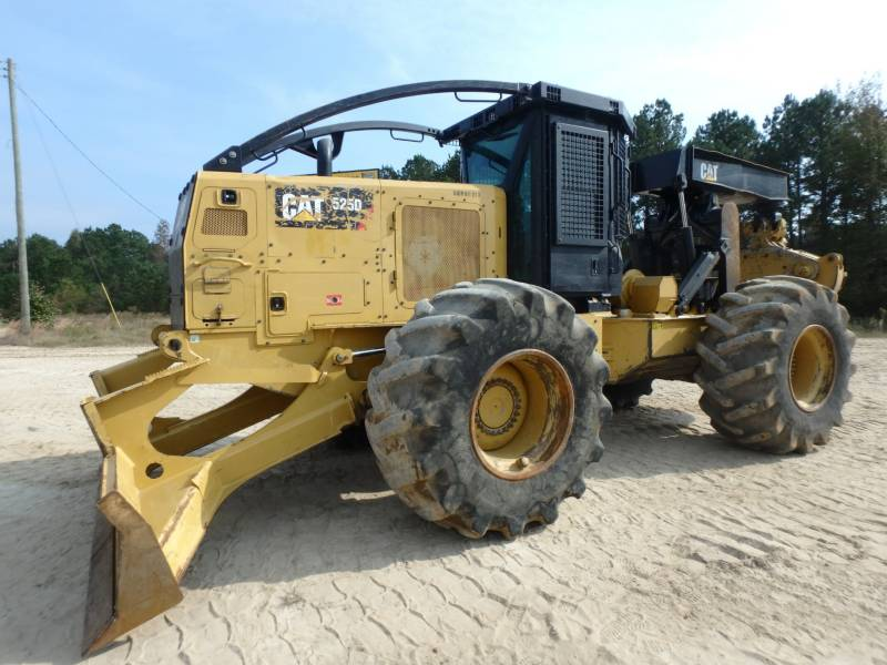 CATERPILLAR EXPLOITATION FORESTIÈRE - DÉBARDEURS 525D equipment  photo 1